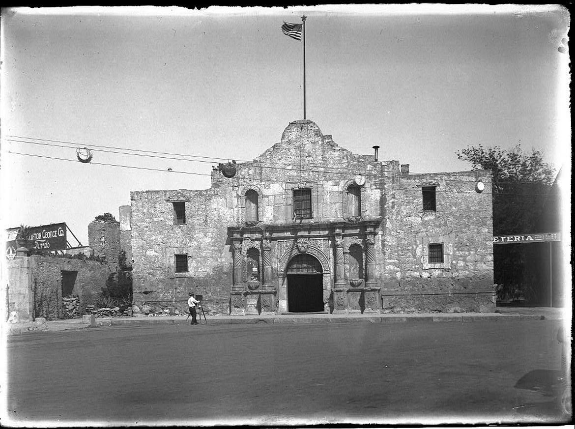 Rare photo of the Alamo.jpg