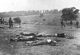 Gibson Gardner photo of Gettysburg Union dead.jpg